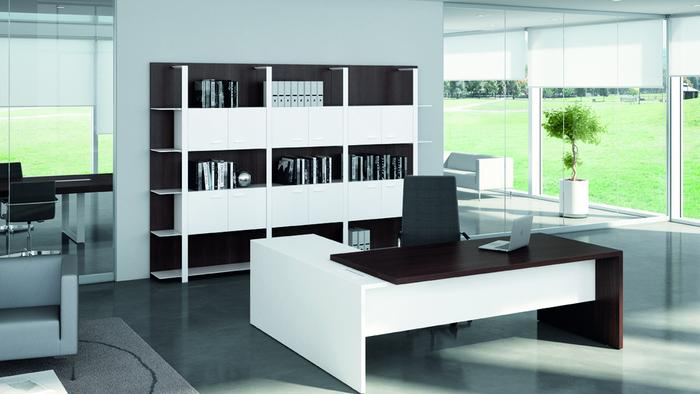 T45 managerial desk A7